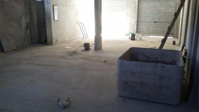 Predio comercial com galpão e dois apartamentos - Foto 3
