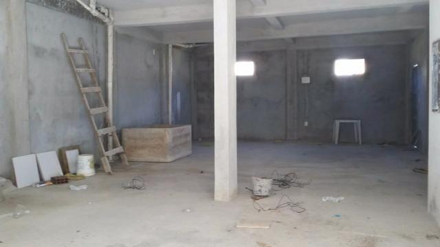 Predio comercial com galpão e dois apartamentos - Foto 6
