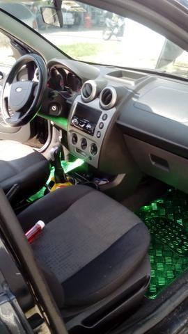 Ford Fiesta Class Sedan 1.6 8v 2° dono - Foto 9