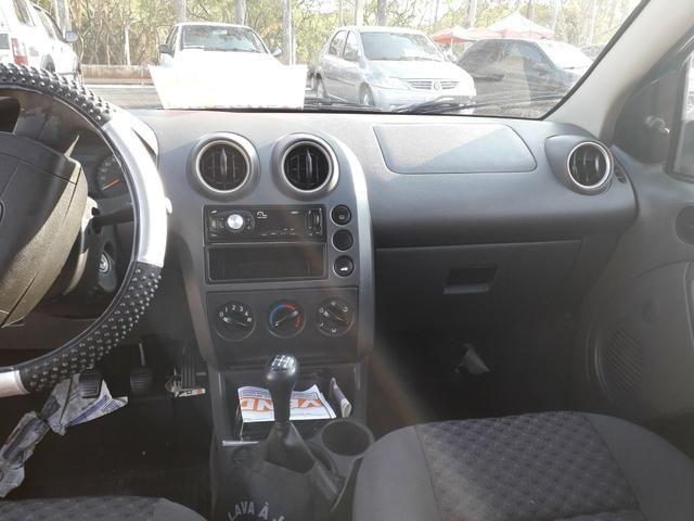 Vendo fiesta hatch 06 1.6 flex - Foto 6