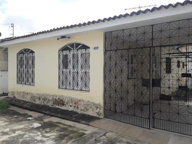 Casa na Parquelândia Próximo ao center box