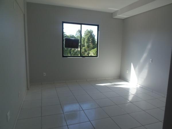 Apartamento com 3 quartos, 1 suíte, duas vagas de garagem e ótima localização - Foto 5
