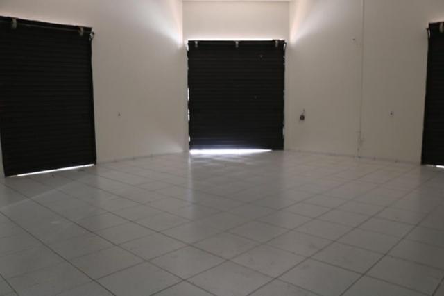 Casa com 2 dormitórios + Salão comercial - Foto 3