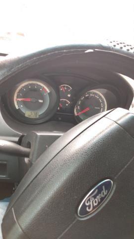 Ford Fiesta 2011/12 - Foto 6