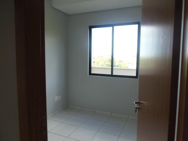 Apartamento com 3 quartos, 1 suíte, duas vagas de garagem e ótima localização - Foto 7