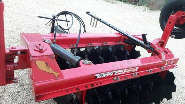 Grade aradora 14 X 26 para trator - Foto 3