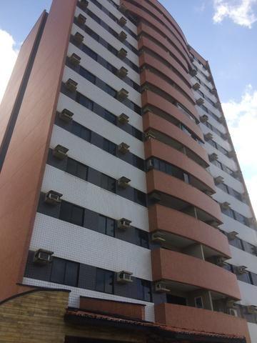 Apartamento para alugar no condomínio Porto Ravena Bairro Ponta do Farol Próximo a AABB