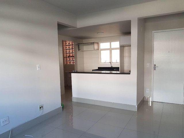 Aluga-se apartamento no residencial vila verde no bairro Guanabara.