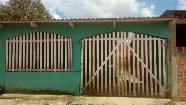 Vende-se casa no bairro Mocinha Magalhaes