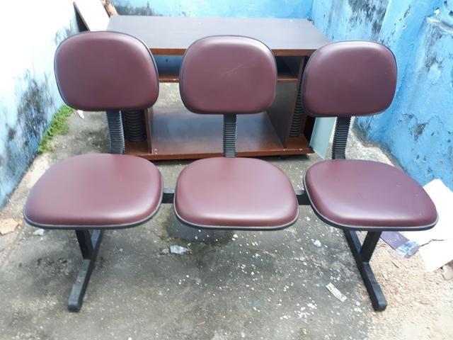 Cadeiras longarinas de 2 e 3 lugares