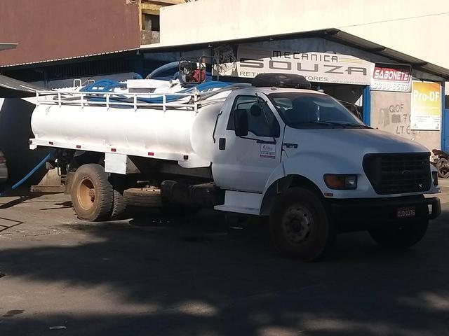 Serviços de caminhão pipa