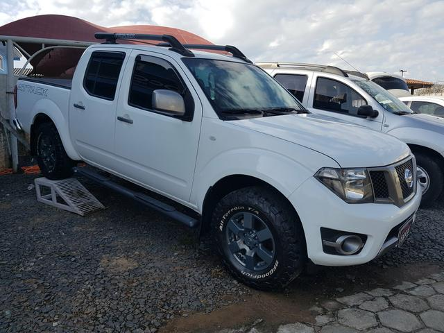 Frontier SV Attack 4x4 Aut Ano 2015