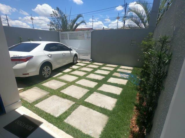 Alugo Casa de alto padrão no bairro Santa Mônica 1