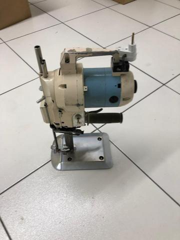 Máquina para corte de tecidos