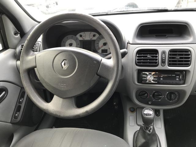 Clio Sedan sem detalhes Na oferta! - Foto 2