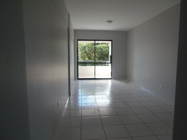 Apartamento com 3 quartos, 1 suíte, duas vagas de garagem e ótima localização - Foto 2