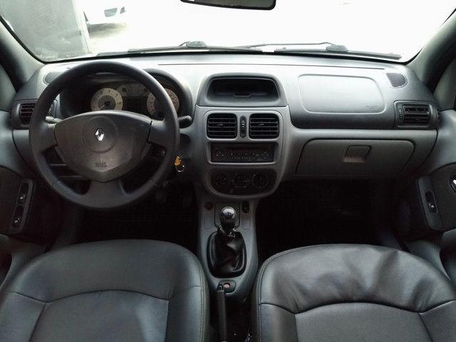 Clio sedã 1.6 2006 privillege - Foto 8