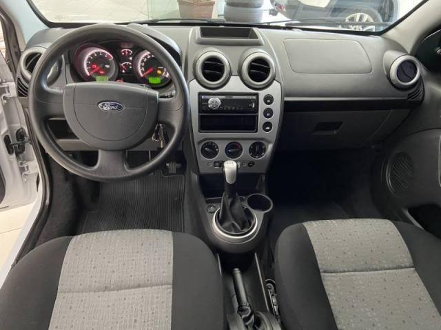 Ford Fiesta Sed. 1.6  - Foto 3