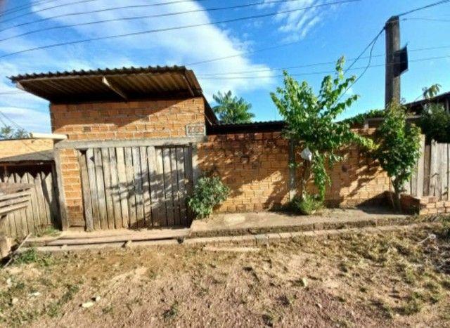 Vendo 2 casas no mesmo terreno. Aceito carro como parte do pagamento.  - Foto 4