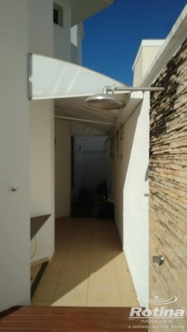 Casa Condomínio Fechado à venda, 3 quartos, 3 suítes, 2 vagas, Cond. Royal Park Residence