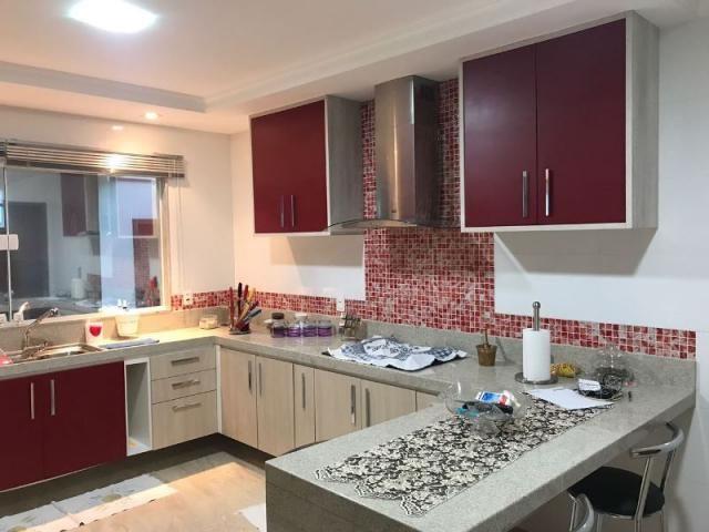 Murano Imobiliária vende casa de 4 quartos quartos em Ponta da Fruta, Vila Velha - ES.