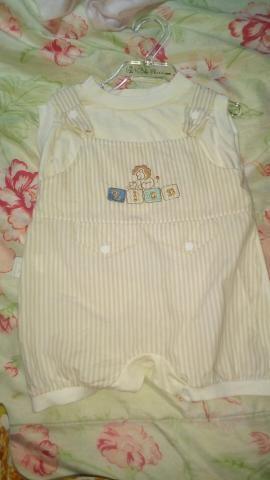 Vendo roupas de bebê