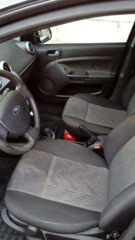 Ford Fiesta Class Sedan 1.6 8v 2° dono - Foto 13