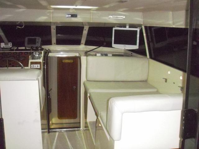 Lancha obra Capri 32 Fly - Barco de represa! Oportunidade única!! - Foto 10