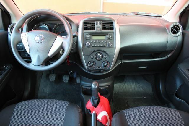 Nissan Versa 1.0 Conforto mec 17/18 ( - Foto 7