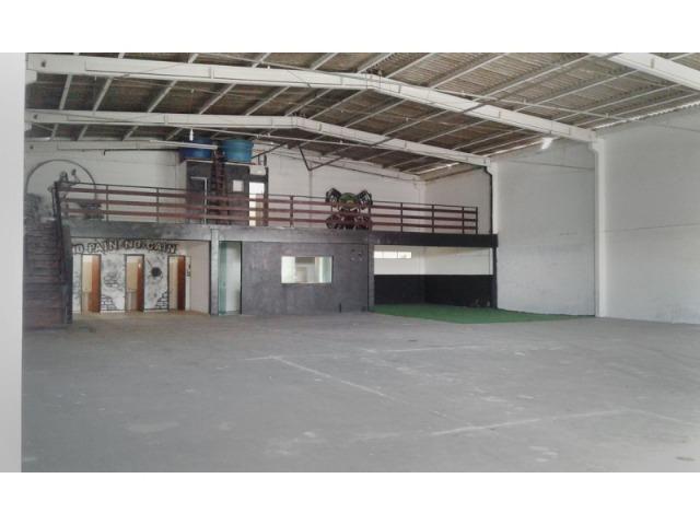 Aluguel de galpão comercial em São José Grande Fpolis 600 m² - Foto 2