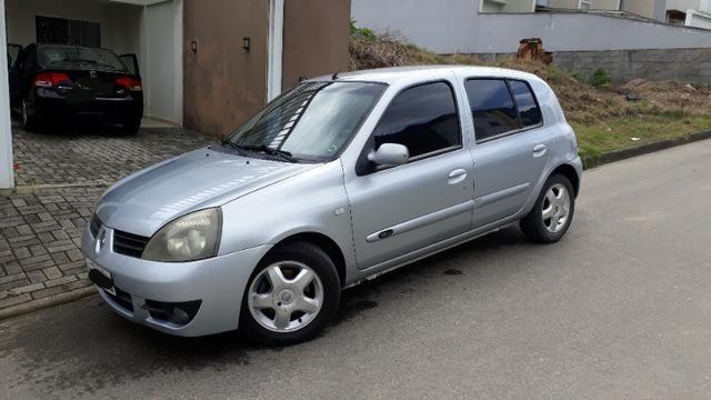 Clio PRI 1.6 2006 4P completo 110cv Prata