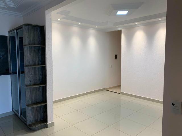 Casa Belíssima.otima localização 2 qts 4 garagem prox shopping Passeio das águas - Foto 3