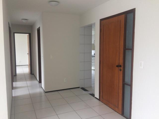 Apartamento para alugar no condomínio Porto Ravena Bairro Ponta do Farol Próximo a AABB - Foto 4