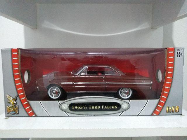 Ford Falcon 1963 escala 1/18 Roadsignature , produto novo .  Ótimo preço !