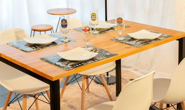 Conjunto de mesa estilo industrial tampo em madeira maciça com pintura
