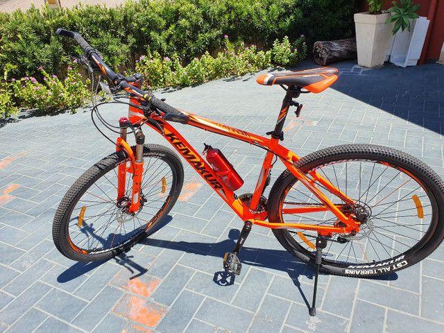 Bicicleta Kemakur na cor laranja, marca italiana, bike Nova, nunca usada