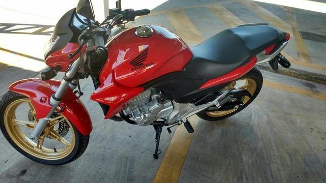 Moto CB300