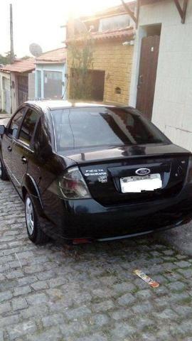 Ford Fiesta Class Sedan 1.6 8v 2° dono - Foto 12