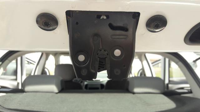 Fechadura da Tampa Traseira Chevrolet Onix Original