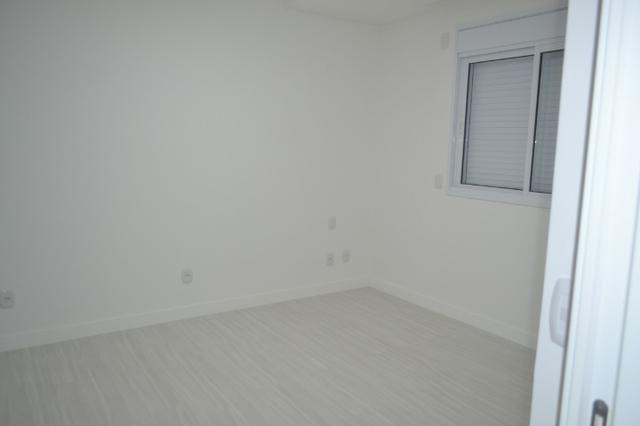 Apartamento 4 suítes, Cozinha com churrasqueira a carvão, com 4 vagas de garagem! - Foto 6