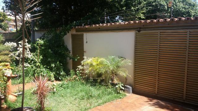 Casa Cidade Jardim, (Sudoeste) 3 quartos, mais 3 kitinets, prox. Uni-Anhanguera - Foto 3
