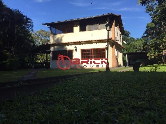 Ótima casa em condomínio com 4 quartos sendo 2 suítes em Guapimirim