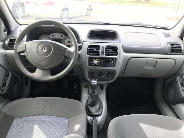 Clio Sedan sem detalhes Na oferta! - Foto 4