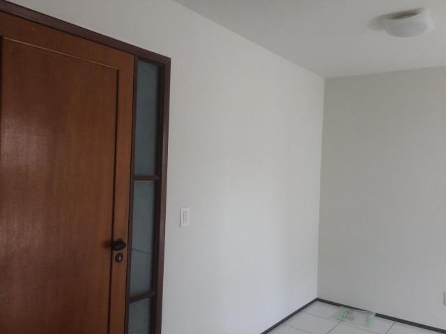 Apartamento para alugar no condomínio Porto Ravena Bairro Ponta do Farol Próximo a AABB - Foto 11