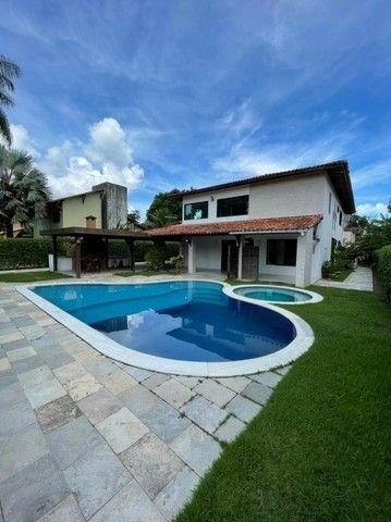Casa em Aldeia, com  suítes, área de lazer completa, piscina privativa e 5 vagas.