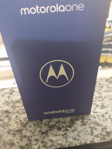 Caixa do Motorola one com todos os manuais - Foto 4