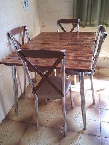 Mesa e 4 cadeiras a venda