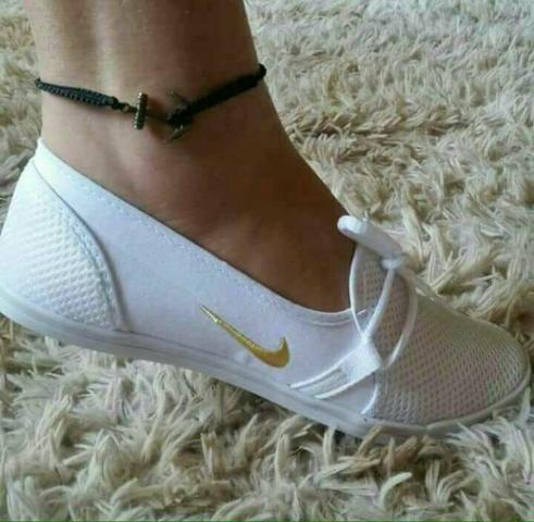 Sapatilha Nike - Brancas - Varejo e Atacado