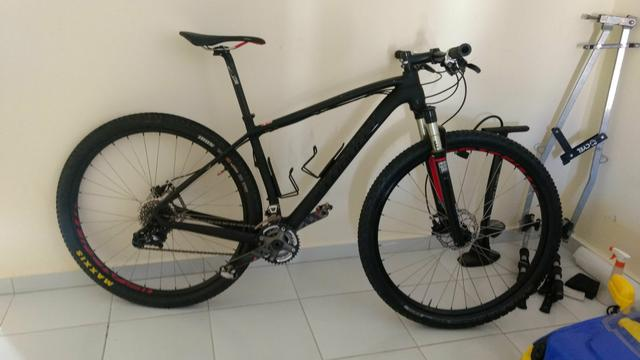 Stamp-jump carbono