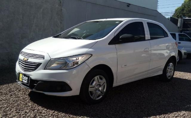 GM Chevrolet - Onix LT 1.0 4p Flex 8v - Oferta!